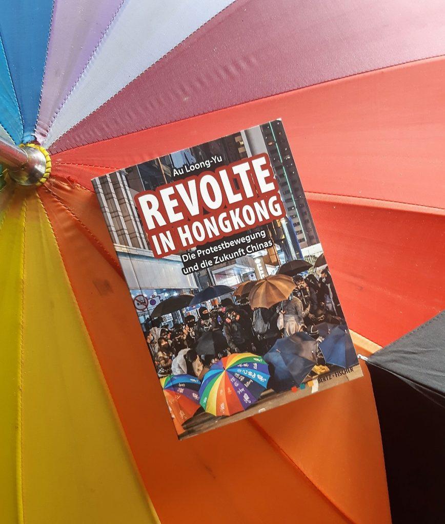 Au Loong-Yu, Revolte in Hongkong, Übersetzungslektorat, Demokratie